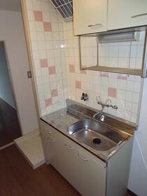 デイジーコート 302号室のキッチン