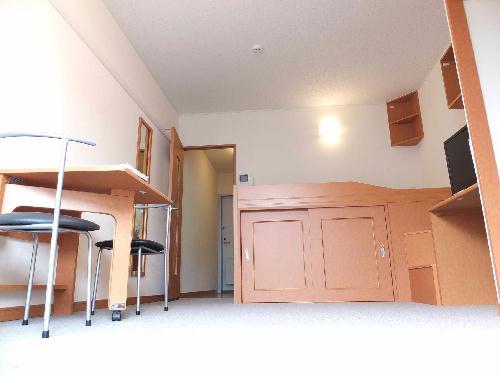 レオパレスアルモニ1番館 307号室のリビング