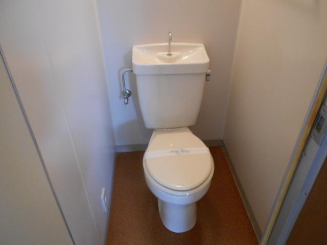 ファミールさわだ 402号室のトイレ