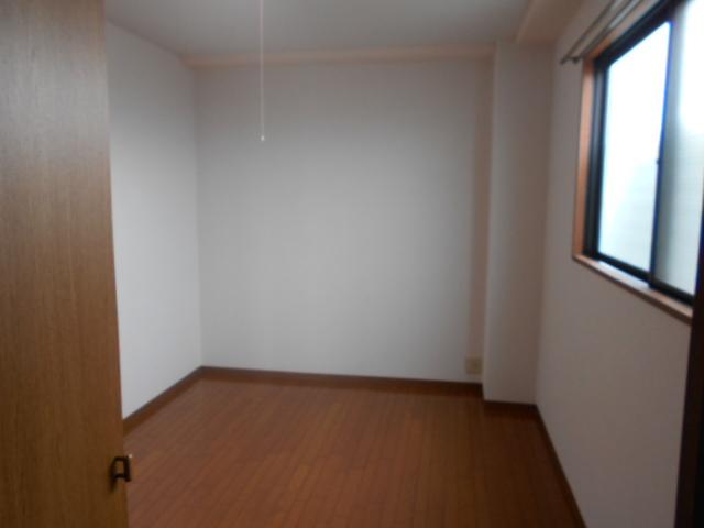 ファミールさわだ 402号室のベッドルーム