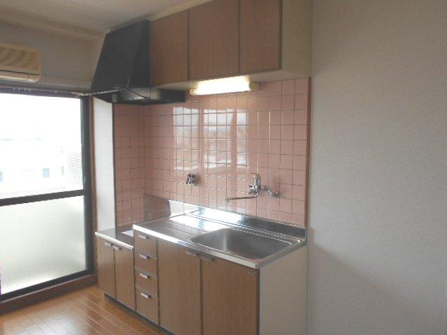 ファミールさわだ 402号室のキッチン