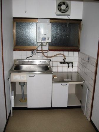 松室扇田町貸家のキッチン