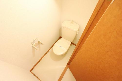 レオパレスウエスタン 102号室のトイレ