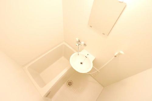 レオパレスウエスタン 102号室の風呂