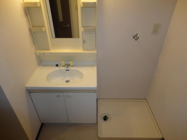 ヴェルデ三番館 103号室の玄関