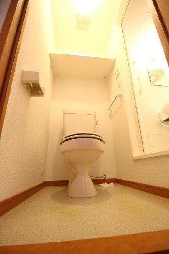 レオパレス石塚 205号室のトイレ