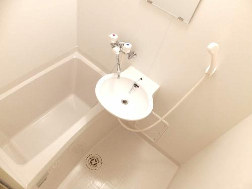 レオパレスアルモニ1番館 107号室の風呂
