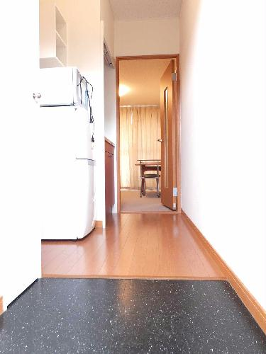 レオパレスアルモニ1番館 203号室の収納