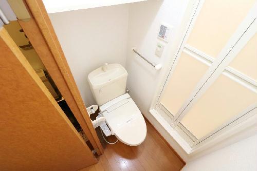 レオパレスアイリス 202号室のトイレ