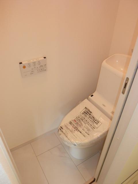 伊藤レジデンス 201号室のトイレ