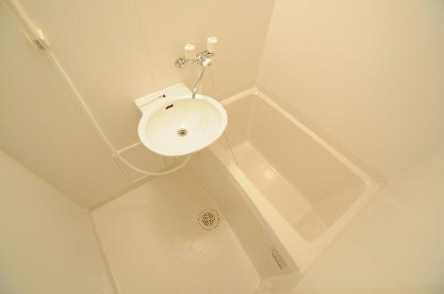 レオパレスTYK壬生 107号室の風呂