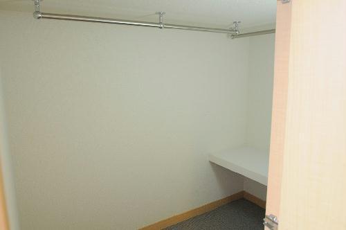 レオパレスTYK壬生 107号室の収納