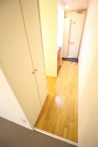 レオパレスLA PRIMAVERA 203号室の玄関