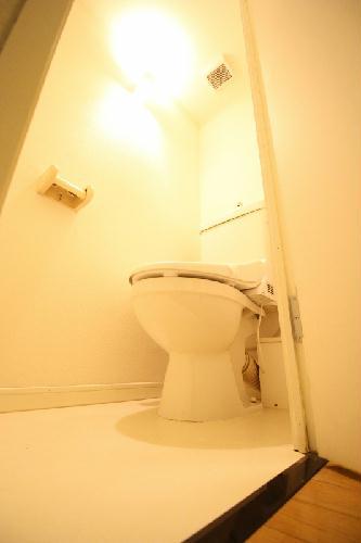 レオパレスLA PRIMAVERA 203号室のトイレ
