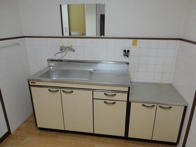 ハウスハクラクⅡ 202号室のキッチン