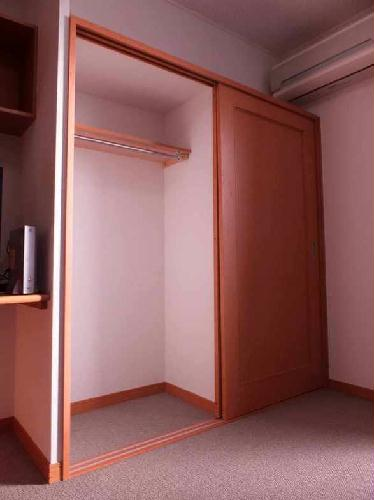 レオパレスアルモニ1番館 206号室の収納