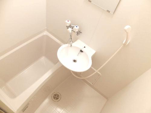レオパレスアルモニ1番館 206号室の風呂