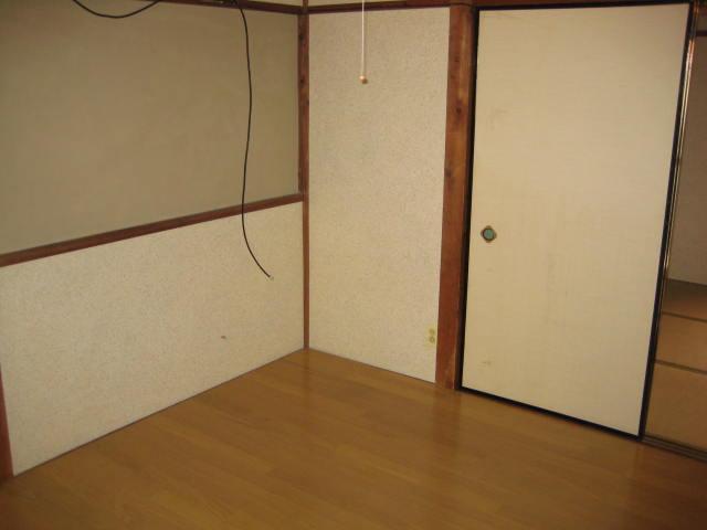三幸荘 2F-13号室のベッドルーム
