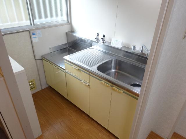 ハイメント桂 105号室のキッチン