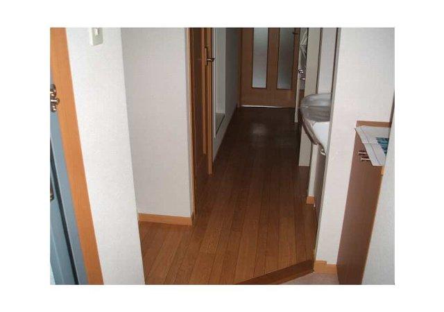 シティコート室町 04030号室の玄関