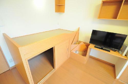 レオパレスフローレス州見台 206号室のリビング