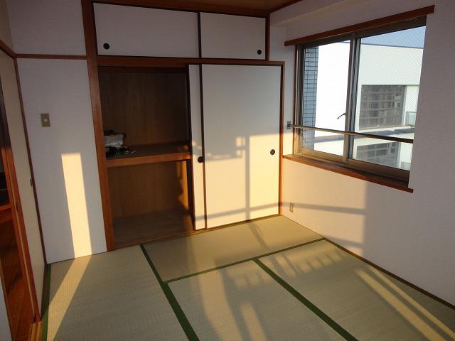 レトロマンションⅣ 202号室のベッドルーム