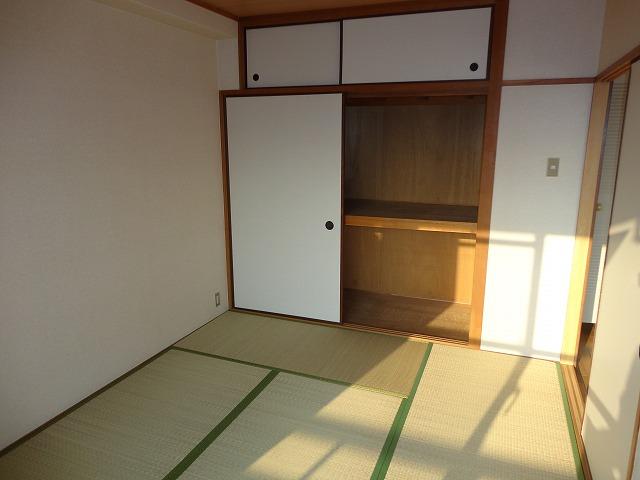 レトロマンションⅣ 202号室の居室