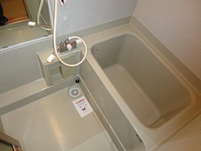 レトロマンションⅣ 202号室の風呂
