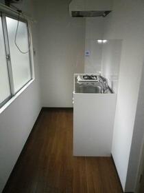 紫光ハイツ 202号室のキッチン