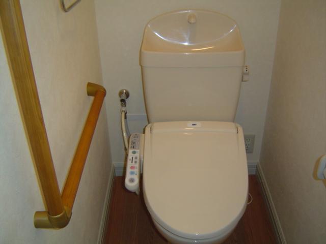 津田くにみ谷'08 103号室のトイレ