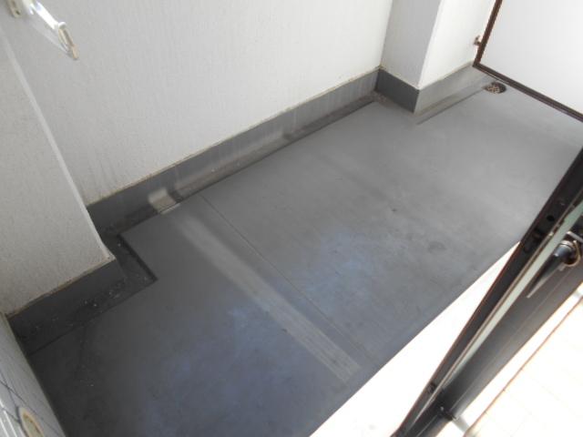 メゾン西寿 3-A号室のバルコニー