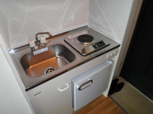 ラフォーレ助松 4B号室のキッチン
