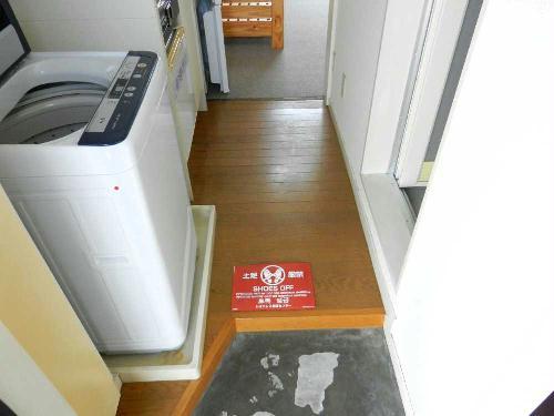 レオパレス千亀利 206号室の玄関