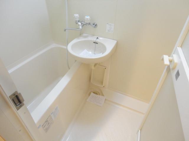 グランドゥール高師浜 311号室の風呂