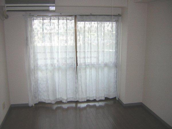 ユウパレス穴田 3E号室のリビング