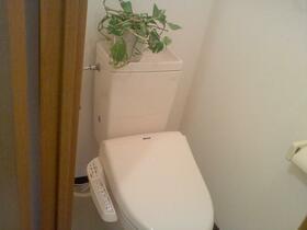 エーデルトノギ 303号室のトイレ