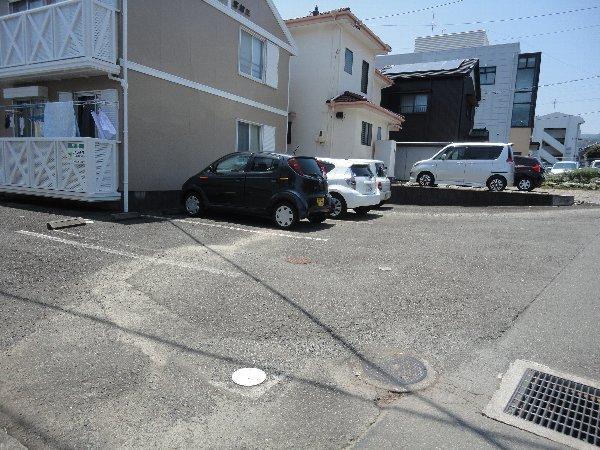 ボナール宮加三 101号室の駐車場