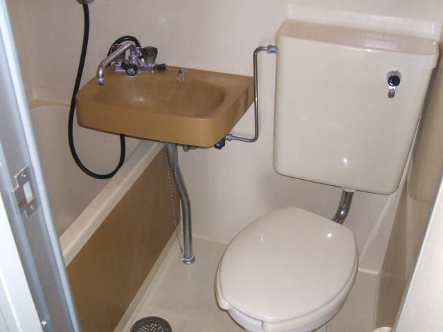 アネーロ岸和田 302号室の洗面所