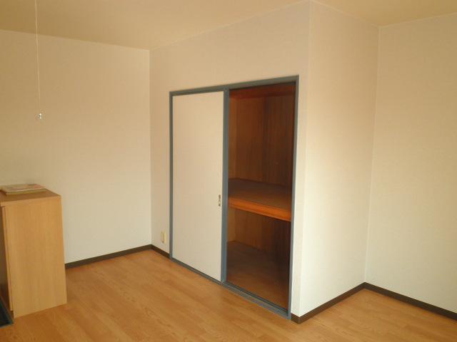 ウェルフェアー光明 403号室の収納