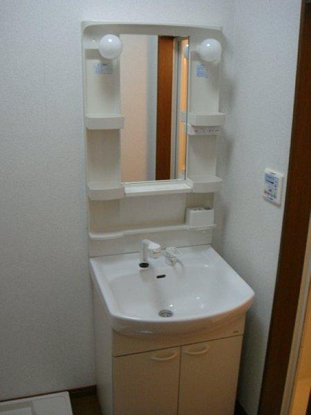 アンプルール リーブル サン・ステージ 103号室の洗面所
