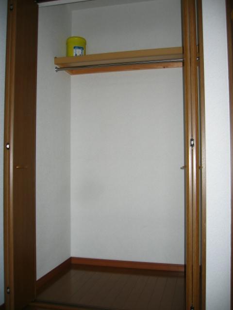 アンプルール リーブル サン・ステージ 103号室の収納