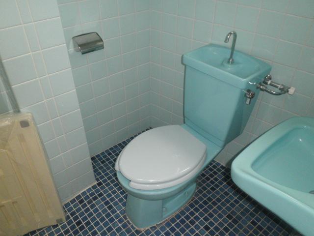 クレール小山 202号室のトイレ