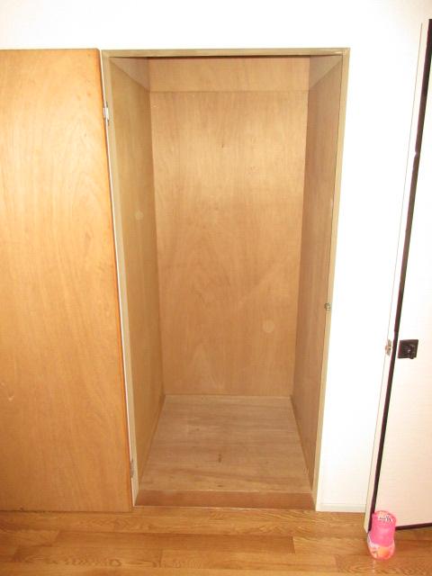 エスポワール西岩田 102号室の収納