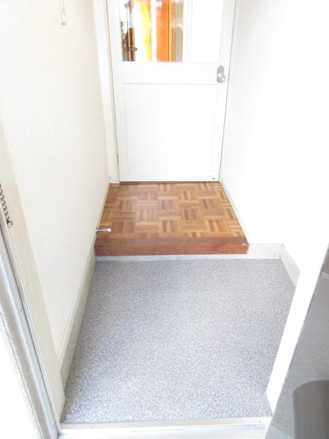 エスポワール西岩田 102号室の玄関