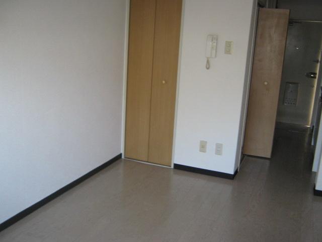 メゾン・ド・アミー 506号室のリビング