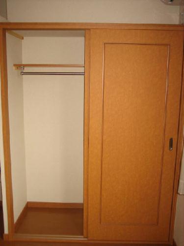 レオパレスヴェルシュ 104号室の収納