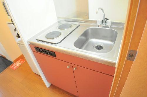 レオパレスまき 102号室のキッチン