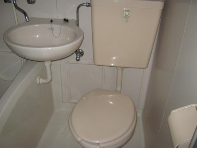 梅田ビル 205号室のトイレ