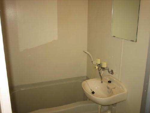 レオパレス西幸 203号室の風呂