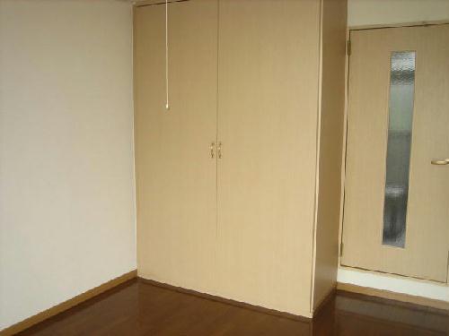 レオパレス西幸 203号室の収納